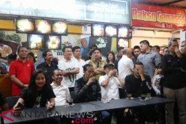 "Presiden Jokowi ""Malam Mingguan"" di Pasar Segar Makassar"