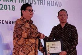 10 Pabrik AQUA raih penghargaan Industri Hijau 2018