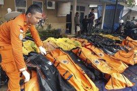 Korban meninggal dunia akibat tsunami Selat Sunda capai 397 orang.