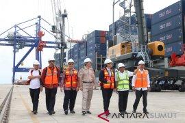 Ekspor Perdana Pelabuhan Kuala Tanjung