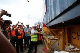 Pelabuhan Kuala Tanjung dinilai dapat efisiensikan biaya dan waktu