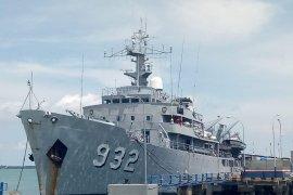 "KRI Dewa Kembar-932 ""open ship"" di Kotabaru"