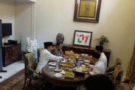 Pecel sayur jadi menu makan siang Jokowi-Amin