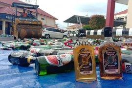 Polda Bengkulu musnahkan ribuan botol Miras