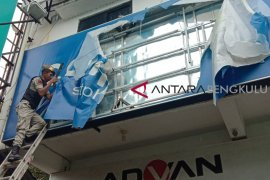 Satpol PP Bengkulu Selatan tertibkan puluhan reklame ilegal