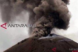 Tsunami diduga dipicu erupsi vulkanik gunung Anak Krakatau