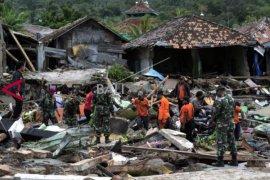 2.500 korban tsunami mengungsi di kantor gubernur Lampung