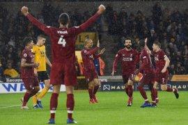 Liverpool nikmati Natal di puncak klasemen