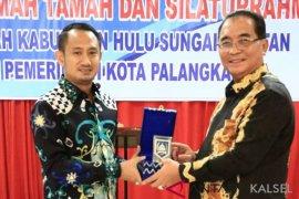 Pemkot Palangkaraya dan jajaran belajar dari Pemkab HSS