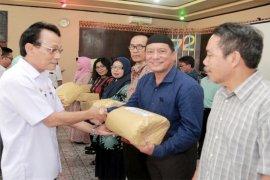 26 PNS Disnakertrans Lampung Masuki Masa Purna Bhakti