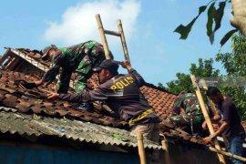 Belasan Rumah Warga Jember Rusak akibat Angin Puting Beliung