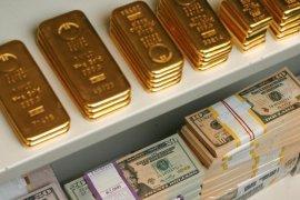 Dolar menguat, harga emas kembali melemah untuk hari ketiga