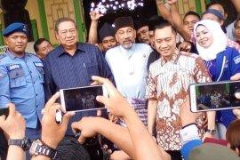 Ribuan warga dan kader sambut SBY di Langkat