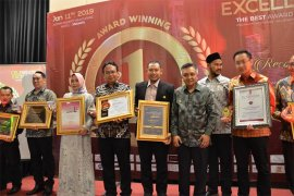 Harry Hikmat Meraih Best in Professional & Leadership 2019