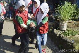 Warga Bogor dilatih simulasi evakuasi mandiri banjir