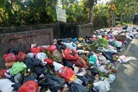 Kulit durian tingkatkan volume sampah di Singkawang