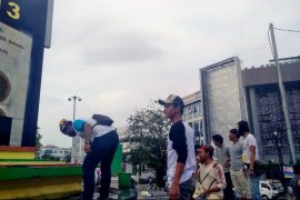 Panen Raya, Buah Naga di Banyuwangi Disedekahkan