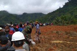 Lima jenazah korban longsor di Cimapag ditemukan