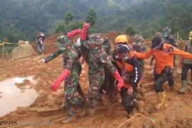 Hari ketujuh kembali korban longsor Cimapag ditemukan