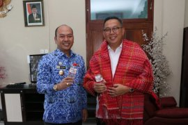 Inalum dan Pemkab Taput diskusi kerjasama serta salurkan CSR