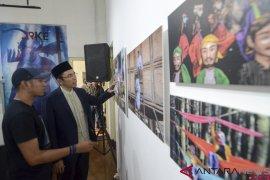 Kunjungan TGB Zainul Majdi di Pameran Foto ARKE