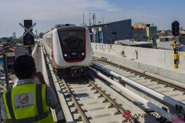 Konstruksi LRT Jakarta hampir siap 100 persen