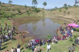 Gandeng pecinta alam, SEGWWL konservasi mata air leuweung Citere