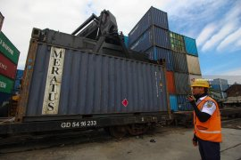 Daop Surabaya maksimalkan kereta angkutan barang saat PSBB