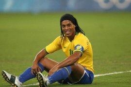 Tiba di Palembang akhir Maret, Herman Deru bantah larang Ronaldinho main di Jakabaring
