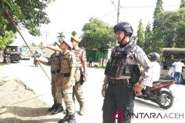 Satpol PP Aceh Utara tertibkan APK langgar aturan