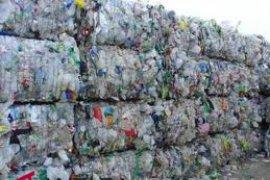 Perusahaan pengelola limbah plastik tak berizin di Bekasi kena sanksi