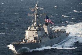 Dua kapal perang AS berlayar di  Laut China Selatan