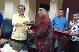 Penyelesaian konflik Maluku harus masuk kebijakan politik LN
