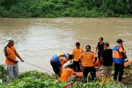 Nenek tenggelam di Sungai Amandit Kandangan belum ditemukan