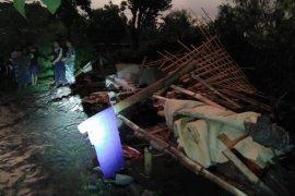Angin Kencang akibatkan Rumah Roboh di Ponorogo
