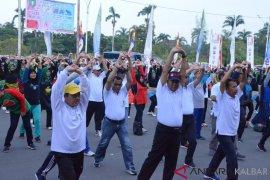 Ribuan warga ikuti senam sehat HUT ke-62 Pemprov Kalbar