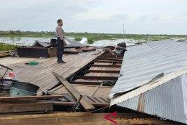 Puting beliung rusak 35 unit rumah di dua kecamatan HSS