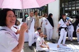 Unjuk Rasa Pegawai RSUD Pirngadi Medan