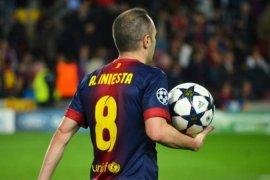 Enrique anggap Iniesta sebagai pemain yang paling mendekati Messi