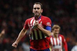 MU, Tottenham berminat boyong Diego Godin ke Inggris