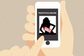 Suami jual istri melalui media sosial terbongkar saat razia penyakit masyarakat