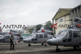 Menteri BUMN serahkan helikopter dan pesawat buatan PT DI kepada Kemhan