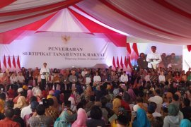 Presiden Joko Widodo serahkan 40.172 sertifikat tanah di Tangsel