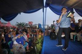 Sandi kunjungi Sukabumi