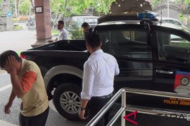 Saber pungli Jembrana tangkap dua oknum PNS