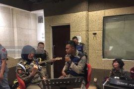 Satpol PP Surabaya Sosialisasikan Command Center 112 Lewat Video Klip