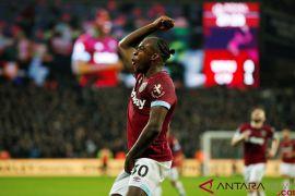 Michail Antonio pemain West Ham United alami kecelakaan