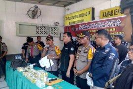 Polda Sumut gagalkan pengiriman 14 kg sabu dari Riau, satu tersangka tewas tertembak