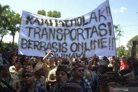 Aksi Tolak Transportasi Online