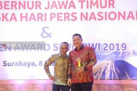 Wawali Surabaya Bersyukur Raih Golden Award SIWO PWI 2019